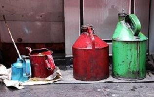 oil gas cans